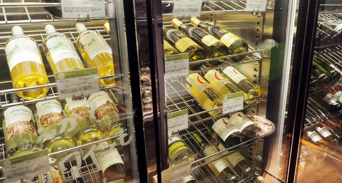 六本木_焼肉_肉源のワインセラー_白ワイン