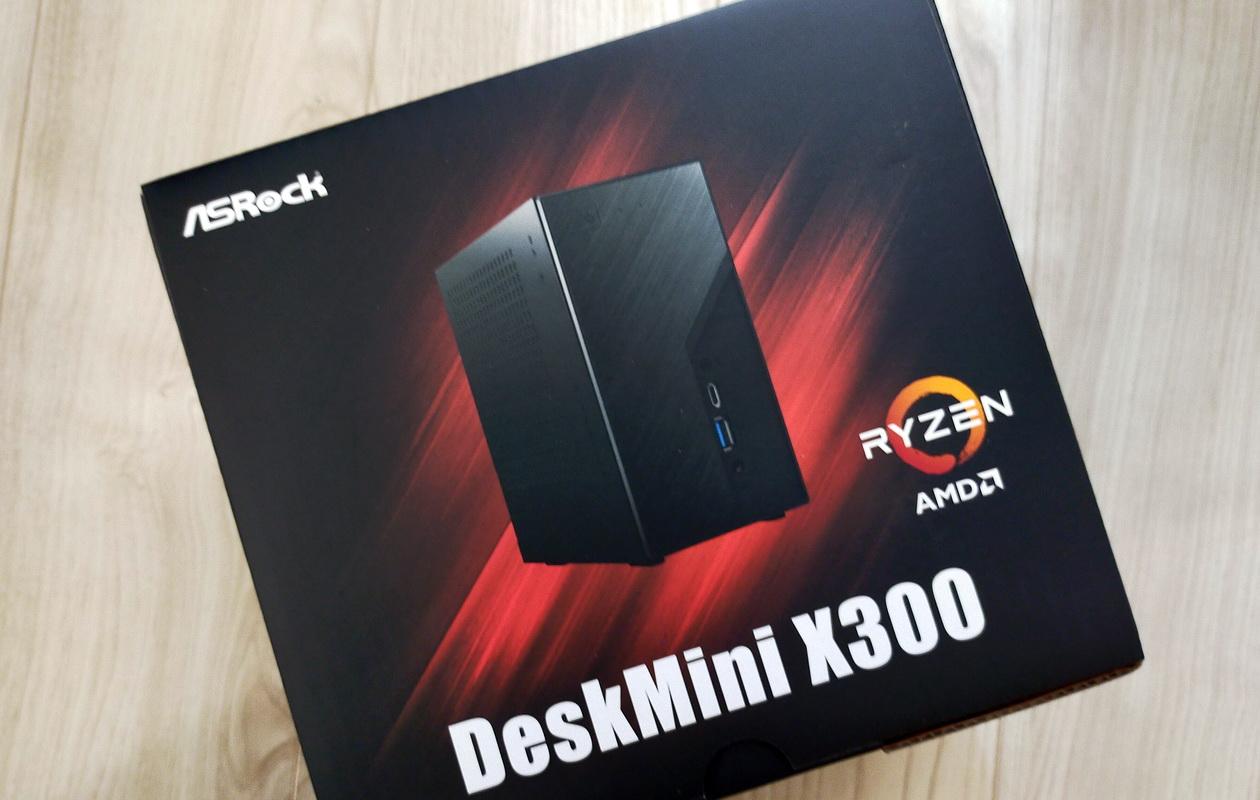 DeskMini X300の外箱